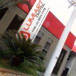 Fachada do escritório de atendimento e design da Lumiart Digital