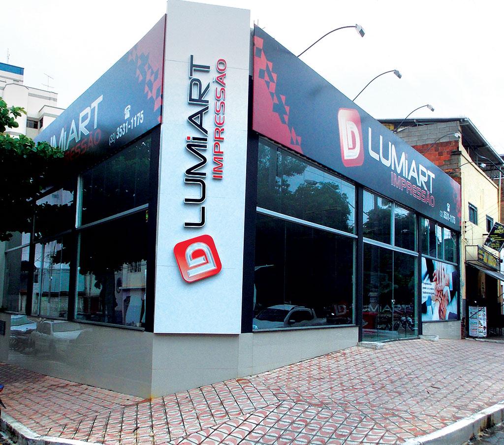 Fachada Bureau de impressão Lumiart Digital em Ubá